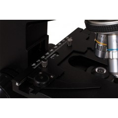 Levenhuk D870T 8M digitális trinokuláris mikroszkóp