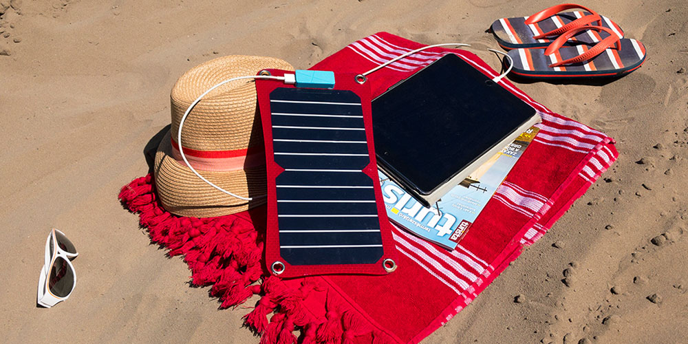 Quazar Q-Solar panel a strandon
