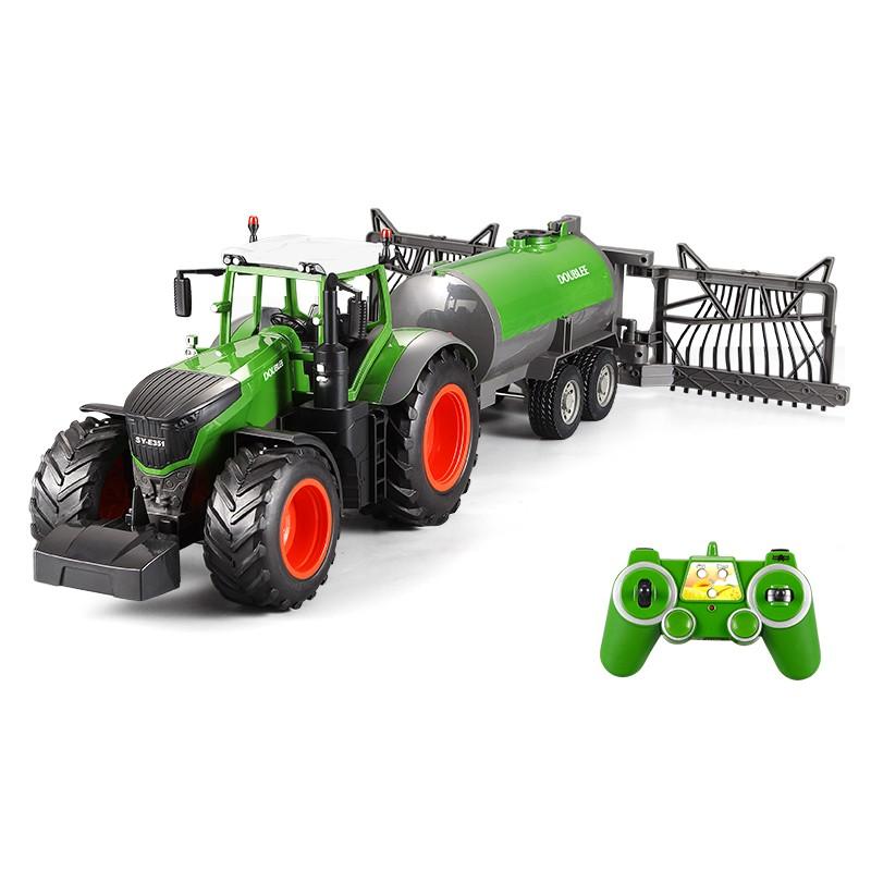 Távirányítós traktor öntözős víztartállyal